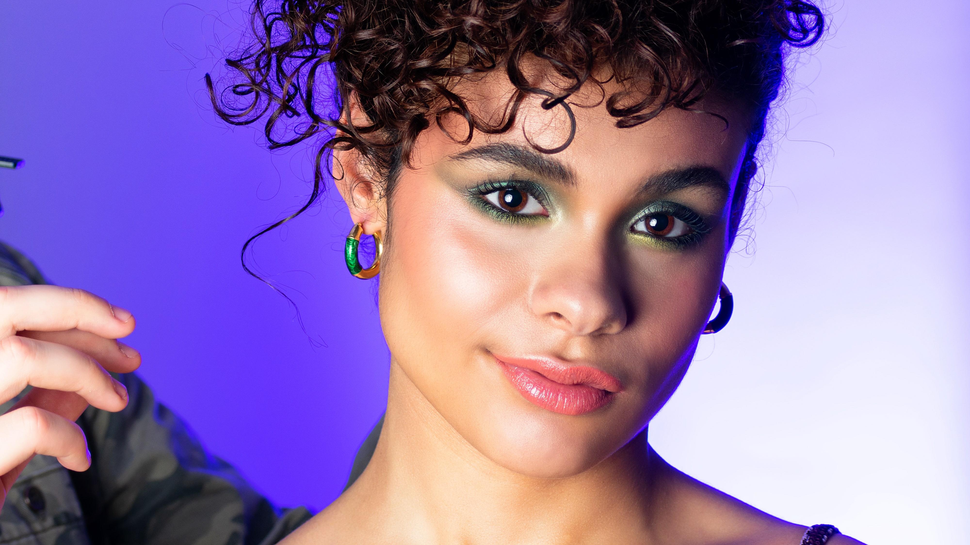 aleksandra rowicka twirling hair blog portrait model make up