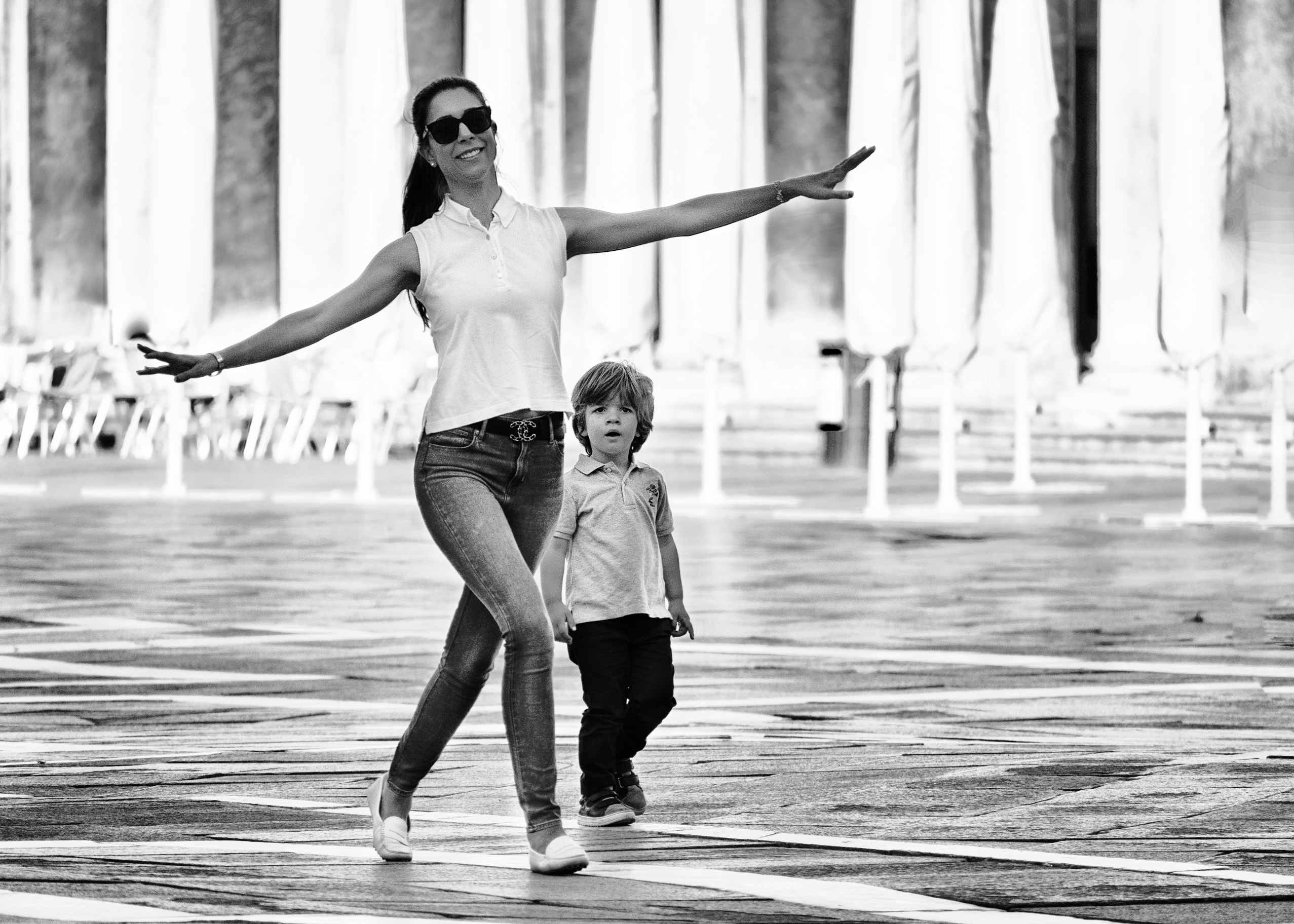 Venice street photography Dance when you are happy Aleksandra Rowicka
