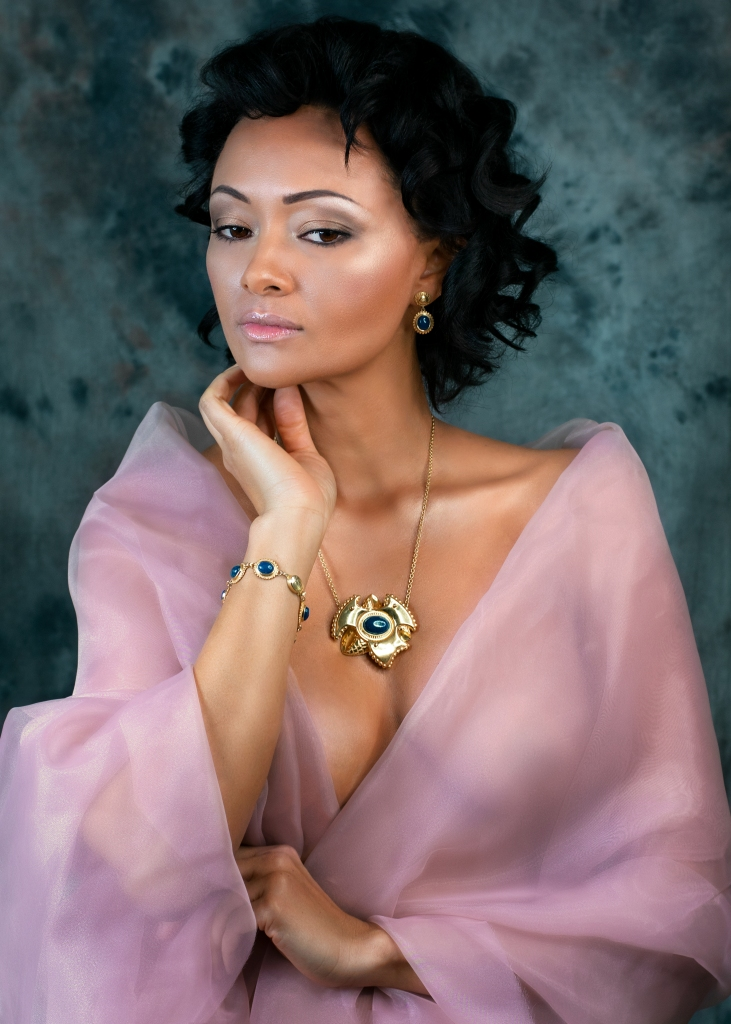 Aleksandra Rowicka photography jewelry photo shoot